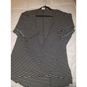 Lularoe Black/White stripped Lindsay